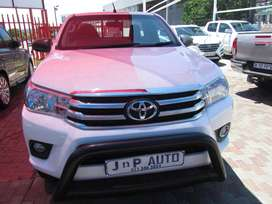 TOYOTA HILUX 2.4L GD-6 S/C 4X4  CAB IN GOOD CONDITION FOR SELL