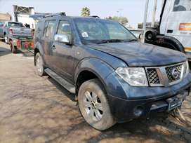 Nissan pathfinder auto stripping for spares