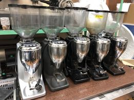 Кофемолка Quamar M80e в хорошем состоянии б/у