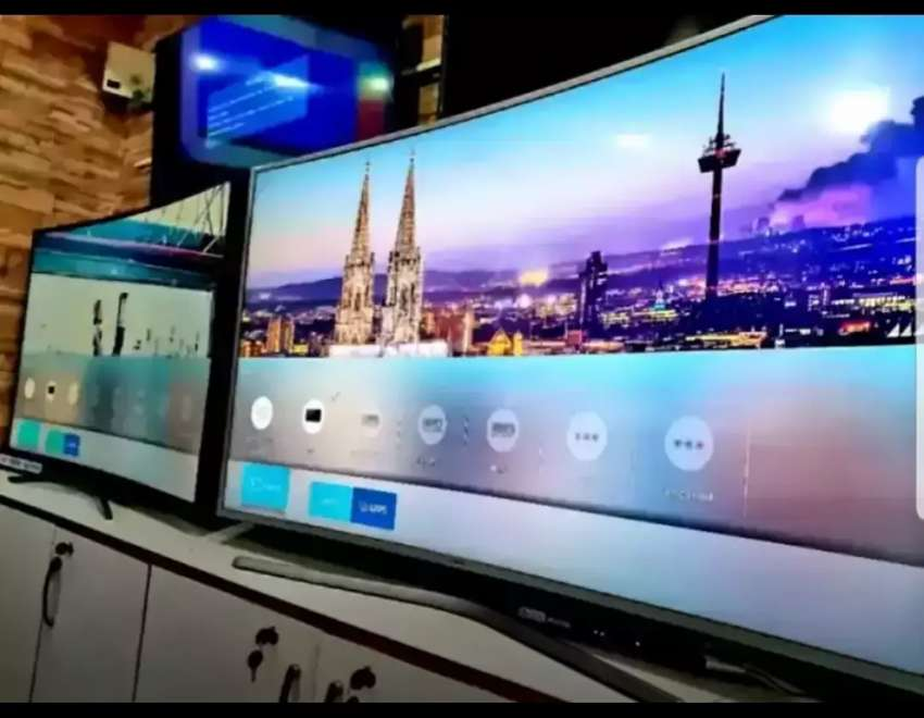 Samsung 55inches curved SUHD 4k TVs 0
