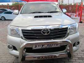 TOYOTA HILUX 3.0L x/C IN GOOD CONDITION FOR SELL