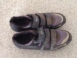 Women's cycling shoes size 5