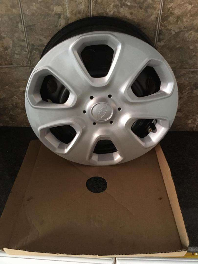 "Ford Fiesta New, Unused & Original 15"" Inch Rims 0"