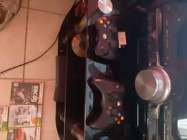 Xbox 360 with two consoles 3games