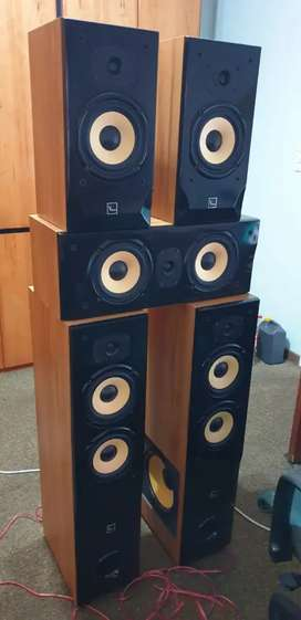 ×4 items for sale (PC and suround sound systems)