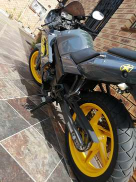 125 road bike superbike look alike,( used )