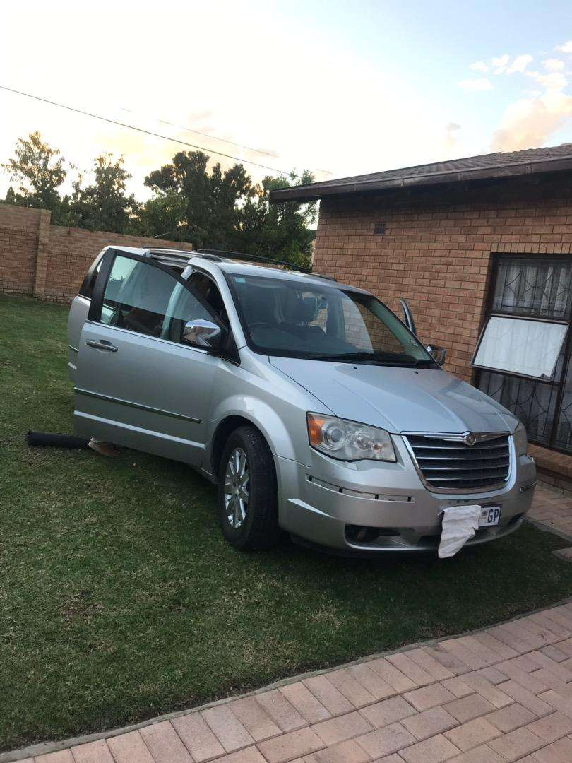 Start and Go Grand Voyager CRD very neat 0