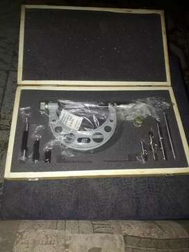 Micrometer with interchangable anvils 0 - 100mm