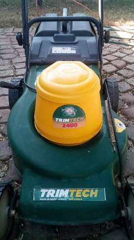 Trimteck lawnmower almost Brand new