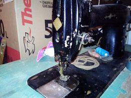 Производственная швейная машинка с оверлоком