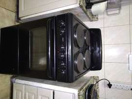Defy compact 4 plate stove and oven