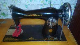 Ножная швейная машинка Подольск 1-М