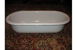 Детская белая эмалированная ванночка времён СССР