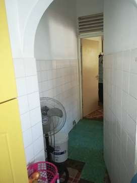 Outbuilding to let in Merebank