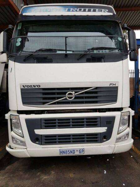 Volvo truck tractor ready to go! 0
