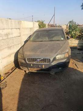 Parts of Volvo S40. .manual