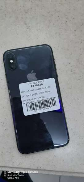 iPhone XS with 256GB with a 6months repair warranty on it