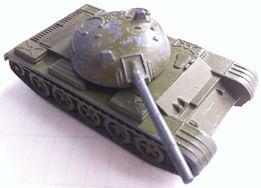 Игрушка СССР военная техника танк Т-62