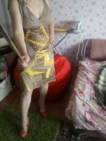Платье для девушки желтое, р.S 42 c пайетками на Новый год, корпоратив