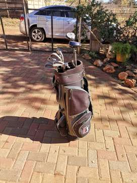 Three golfsets for sale