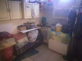 Bachelor's flat to rent in Wentworth park. R3000 water and lights incl