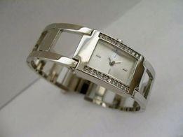 Женские наручные часы AVON