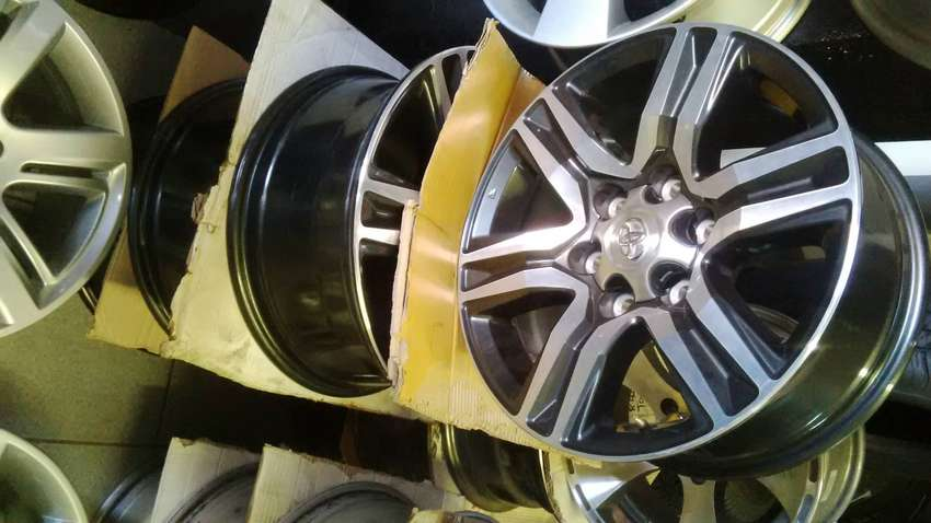 """17"""" Toyota hilux/fortuner mag rim for spare R1750 each"""