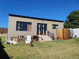 Spacious 2 Bedroom house for Rent in Centurion (Mnandi)