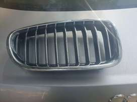 BMW 5 series  front bumper grille