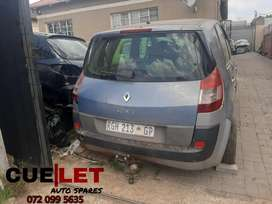 Renault scenic 2005 stripping for parts