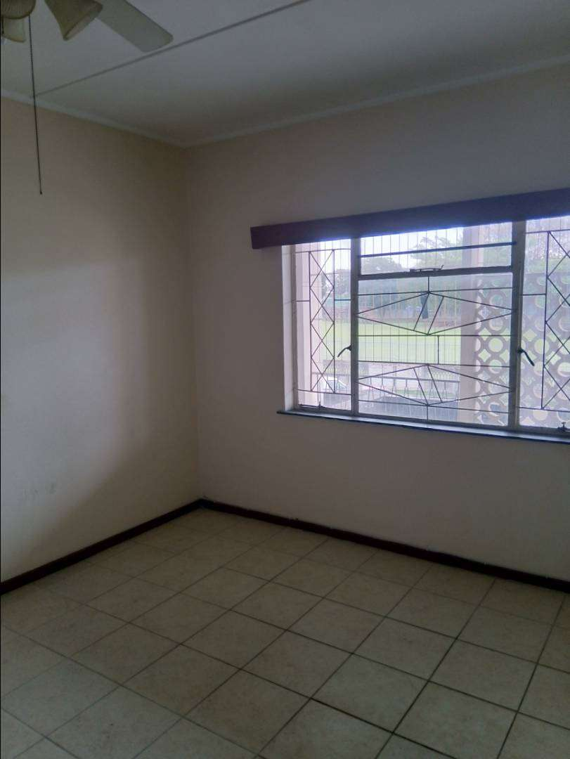 Room for rent in shared apartment 0
