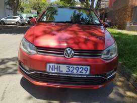 2014 Polo Tsi 1.2 Comfortline with Sunroof and leather seats