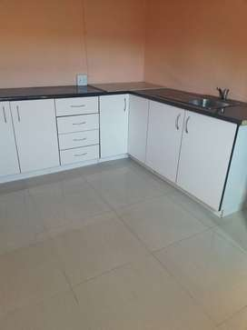 2 x rooms to rent available immediately