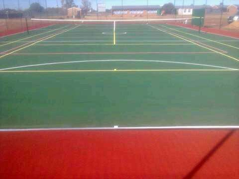 Tennis courts and swimming pool 0