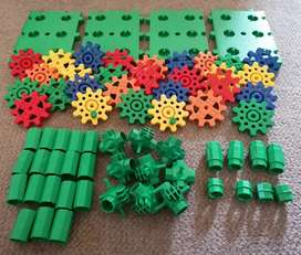 Gears Construction Toy Set Including Case
