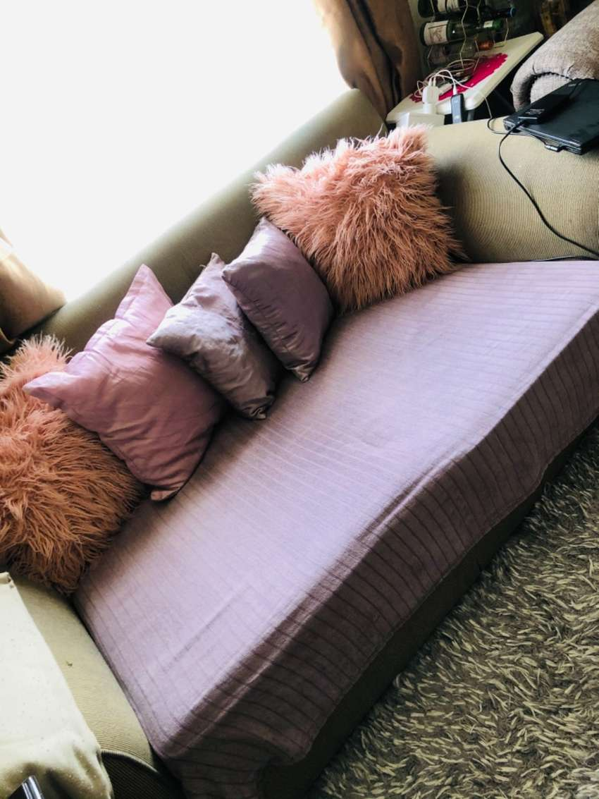 Weatherlys couch