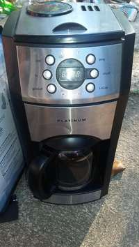 Image of Platinum Coffee maker with integrated Coffee Grinder