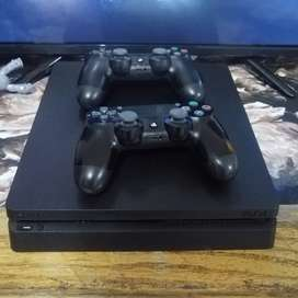PS4 SLIM SUPERB CONDITION