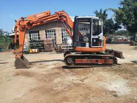 HITACHI EX 75 UR-3 EXCAVATOR FOR SALE