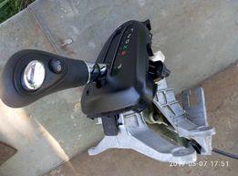 Продам блок переключения АКПП Toyota Matrix (33560-12120)