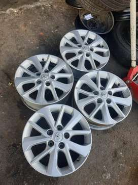 4 × 16 toyota mags for sale