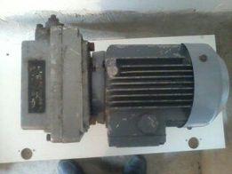 Продам редуктор с двигателем 380 В б/у