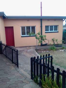 1 bed bachelor cottage to rent