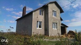 Продам 2-х этажный дом, 160м2, с.Смотрич, слева от трассы на Черновцы