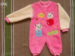 Теплый человечек-комбинезон для девочки на 6-9 месяцев