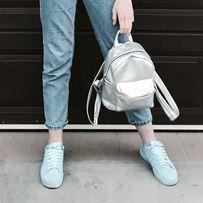 Маленький серебряный рюкзак
