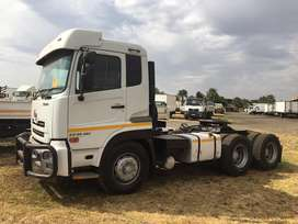 NISSAN UDGW26-450 TRUCK TRACTOR WITH HYDRAULICS