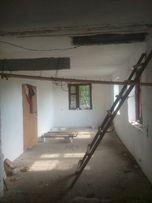Продам дом в центре Новоселовки