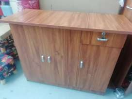 Brand new kitchen cupboard of excellent quality in boxes.