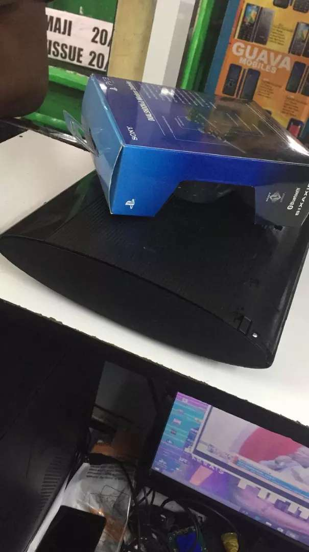 PlayStation 3 chipped machine with new accessories 0